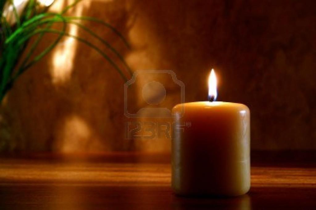 10271450 fuente de inspiracion zen vela pilar meditacion y la oracion que arde con una llama brillante y suav - Las Reglas Básicas del Agni Yoga 2º parte.